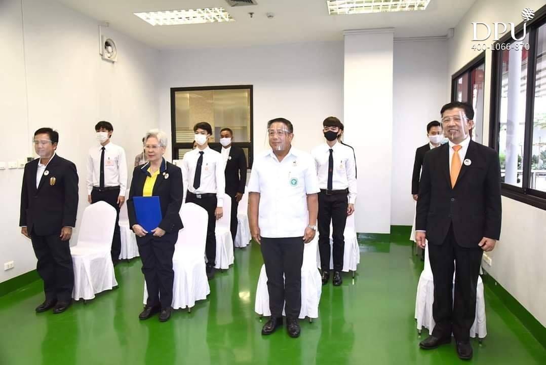 泰国皇家基金会提供的奖学金