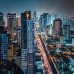 曼谷是一所现代化的、社会治安良好的国际化大都市
