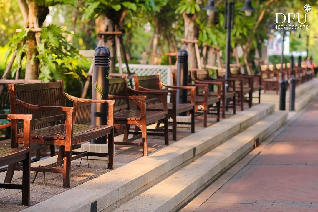泰国博仁大学休息座位