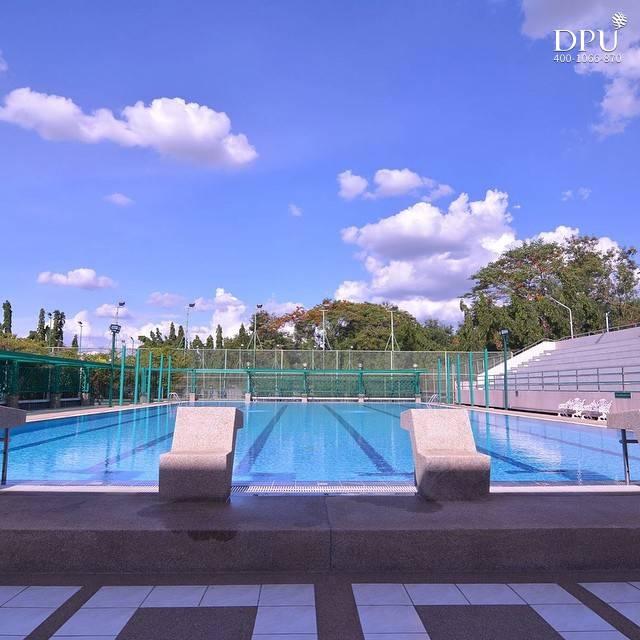 泰国博仁大学体育馆泳池