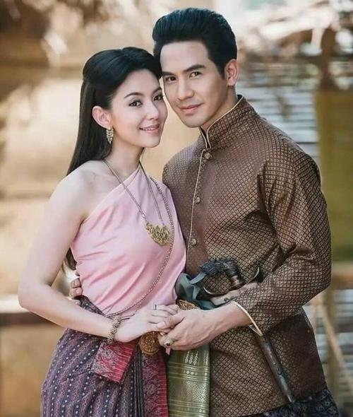 泰国传统服饰:绊尾幔Chang Kben