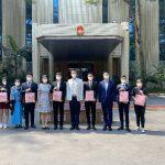 """中国驻泰国大使馆向在泰同胞发放""""春节包"""""""
