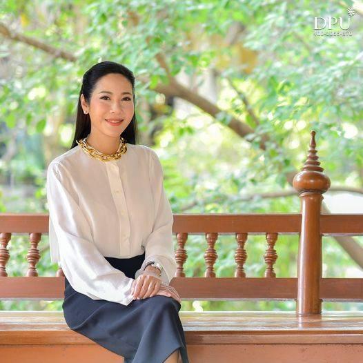 泰国博仁大学Dr. Darika Latthiphat校长宋干节祝语